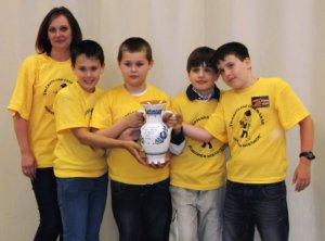 A győztes csapat: Nagyné Póczos Réka, Patvaros Bence, Rohacsek Dominik, Maszárovics Zoltán és Vass Roland