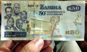 A jubileumi 50 kwachás, aminek bal oldalán az öt elnök portréja. A legfelső K. K. a jobb alsó pedig M. Sata